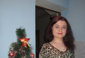 Valentina, 44 - Just Me