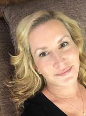 Carolin, 40, Canada, Ottawa