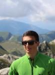 Luca, 19  , Savona