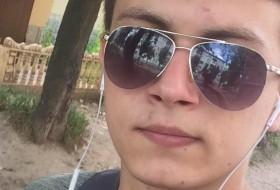 Макс, 21 - Just Me