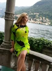 Larissa, 53, Italy, Milano