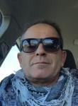 bruno, 46  , Penne