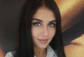 Sadiia, 29 - Just Me