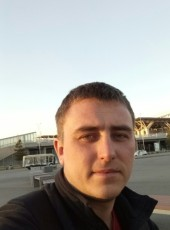 Oleg, 33, Russia, Dobryanka