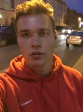 Alex, 22, Germany, Paderborn