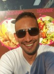 Oumzougi, 41  , Mantes-la-Jolie