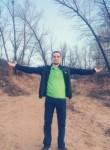 Oleg, 23  , Marks