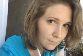 Nelli, 32 - Just Me