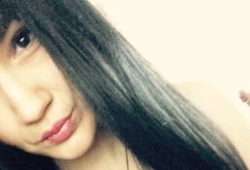 tosha, 19 - Just Me