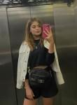 Masha, 22  , Los Angeles