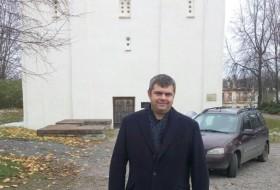 Viktor, 47 - Just Me