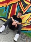 Aaron, 19, Dewsbury