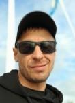 Anton , 41  , Kazan