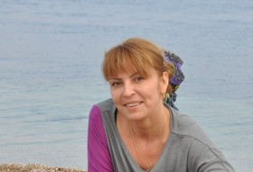 Diana, 44 - Just Me
