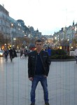 Roman, 30  , Prague