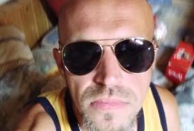 Mirza Hodzic, 37 - Just Me