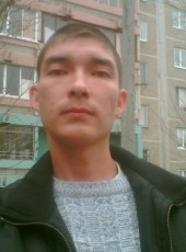 Aleksey, 40, Russia, Yalta