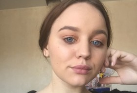 Oksana, 20 - Just Me