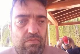 Oscar, 48 - Just Me