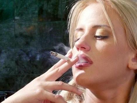 Курение и оральный секс это враги языка