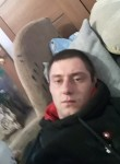 Maksim , 25  , Mena