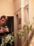 Eduard, 19  , Tosno