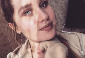 Sasha , 24 - Just Me