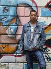 Vigh Roland, 34, Hungary, Budapest