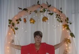 Alla, 42 - Just Me