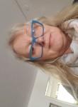 Plun Catherine, 67  , Lome