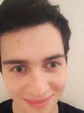 Quentin, 18, France, Landivisiau
