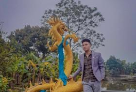 Phạm Hanh, 25 - Just Me