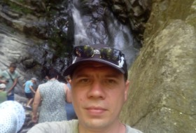 Yuriy Egorov, 38 - Just Me