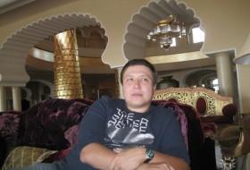 Alexander, 39 - Just Me