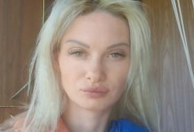 Kisa, 36 - Just Me