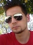 Benito, 28  , Caserta
