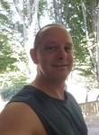 SteveJames, 43, Boston