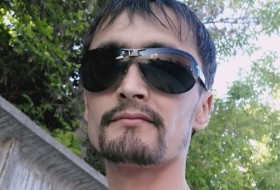 Nurik, 32 - Just Me