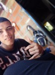 Andrés, 20, Cali