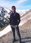 Murat , 25  , Mus