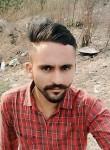 Gurmukh Dhaliw, 22  , Suar