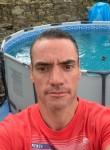 Loic Bervas, 40, Noisy-le-Sec