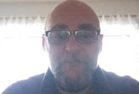 bruno, 47 - Just Me