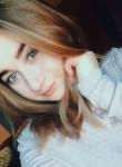 Lili, 23  , Budapest