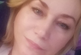 Anna, 42 - Just Me
