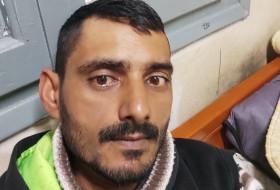 Shah, 38 - Just Me
