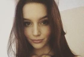 Krystsina, 27 - Just Me