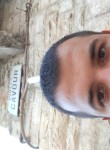 Giuseppe, 24  , Terlizzi
