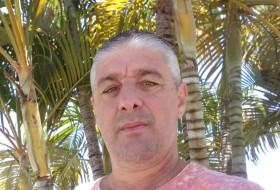 Reginaldo, 48 - Just Me
