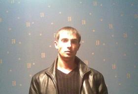 Maks, 33 - Just Me